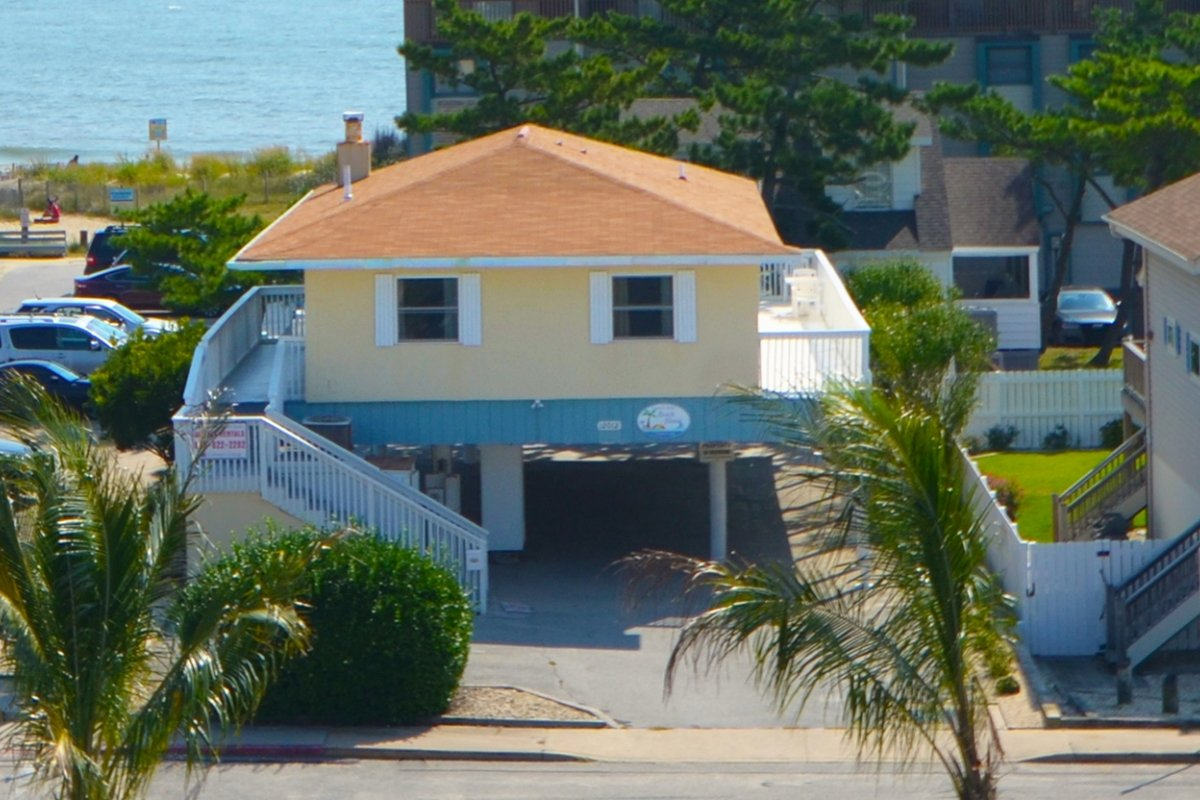 Beach-House-Header.jpg